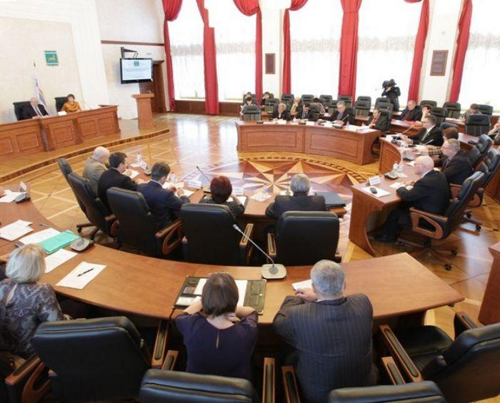 Бюджет внесен в областной парламент
