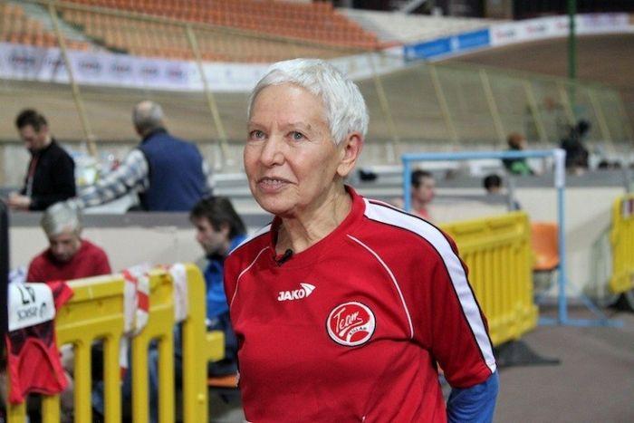 Как в 70 лет легко пробежать ультра-марафон: опыт необычной пенсионерки