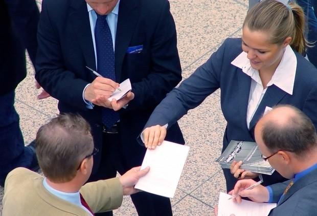 Клиенториентированность. как мотивировать сотрудников?