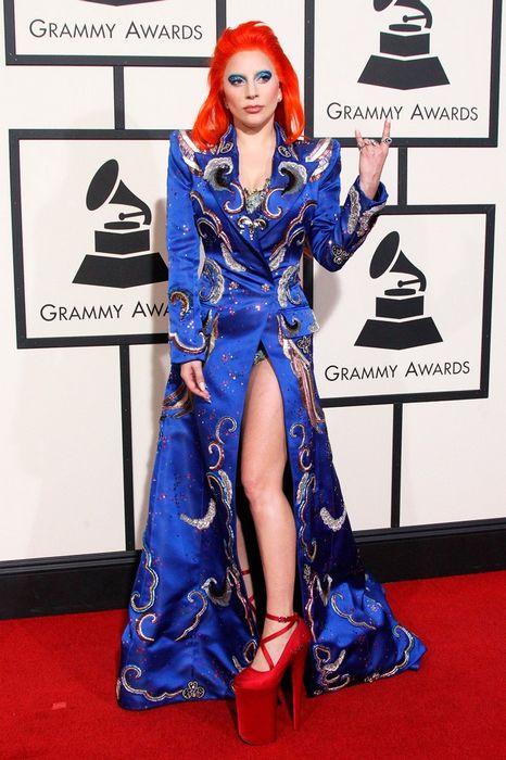 Модный приговор, или самые нелепые образы звезд 2016
