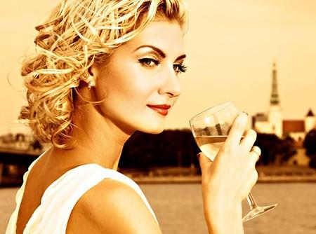 Нам нужен алкоголь, или мода на #винишко