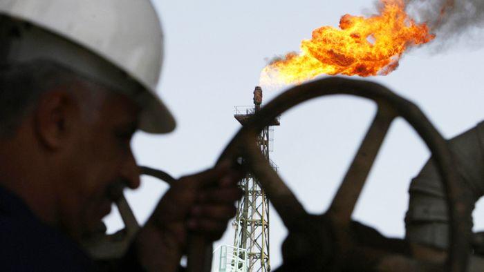 Рубль пошел вверх вслед за нефтью