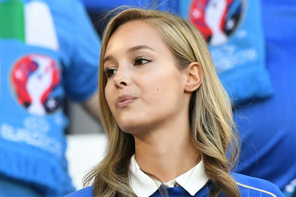Самые красивые футбольные болельщицы в украине